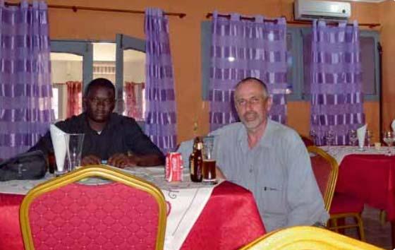 Mit Felipe aus Cabinda beim Bierchen