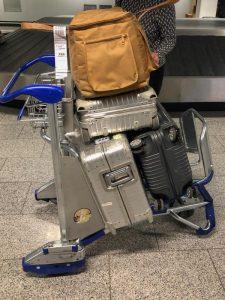 Gepäck auf Wagen