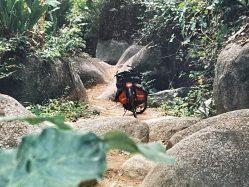 Ein unerschrockener Globetrotter bei den Guerillas und Drogenschmugglern Kolumbiens [Historischer Reisebericht]